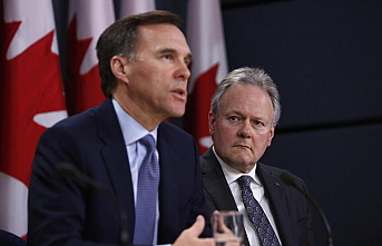 Canada moves to shore up economy with an emergency rate cut