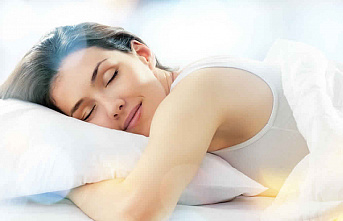 Prevent Oil From Your Skin And Scalp From Destroying Your Pillow