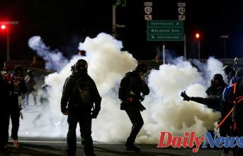 Grassley calls on Biden to condemn rioting in Oregon, Washington