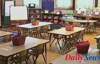 Chicago mayor orders teachers to return to classroom as tug-of-war with union intensifies