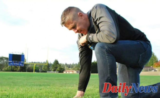 Ex-high school Soccer coach fighting five years Later he Had Been fired for praying on Discipline
