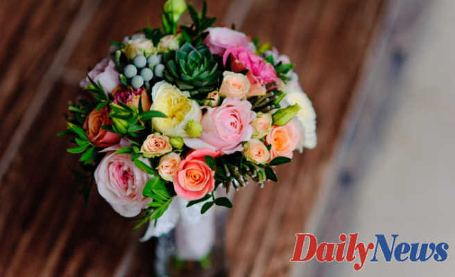 How to Save Money on a Mother's Day Bouquet