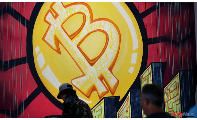 Bitcoin Reaches losses, falling under $32,000 Following U.S. seizes most of Colonial ransom