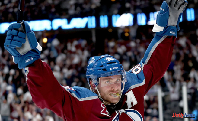 Colorado Avalanche 3 - Vegas Golden Knights 2: Grubauer the Great Steals Victory for Sloppy Avalanche