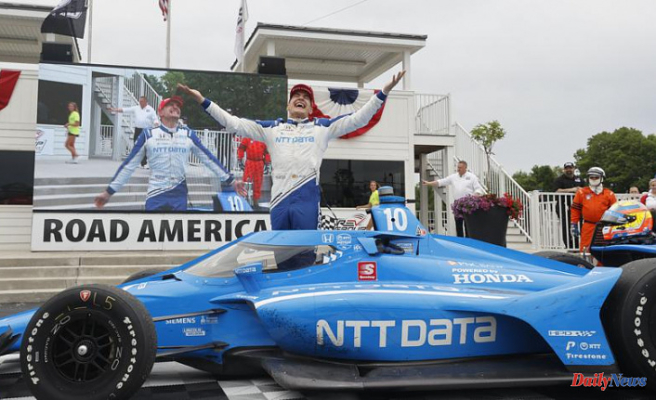 Palou makes late surge to win IndyCar race at Road America