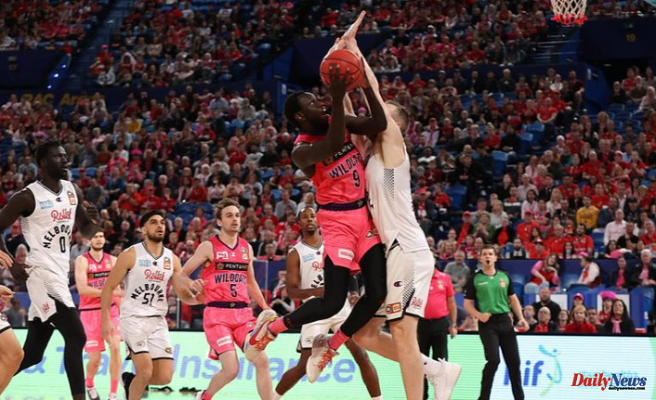 Pink Wildcats fall short against Melbourne United, set sights on semi-finals