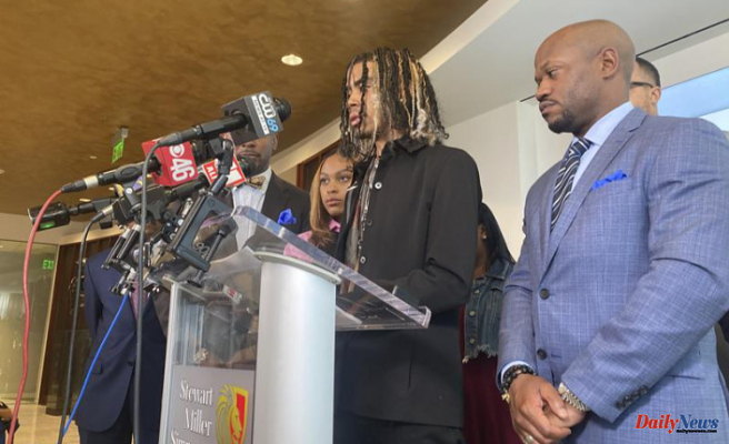 Pupils pulled from Auto by Atlanta Authorities sue Town