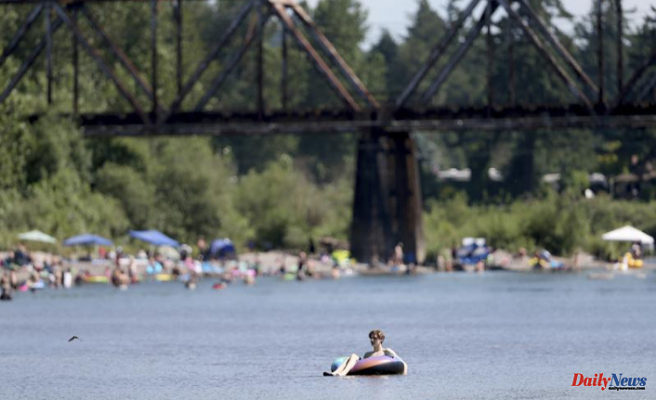 Seattle reaches a record high during the Pacific Northwest heat wave