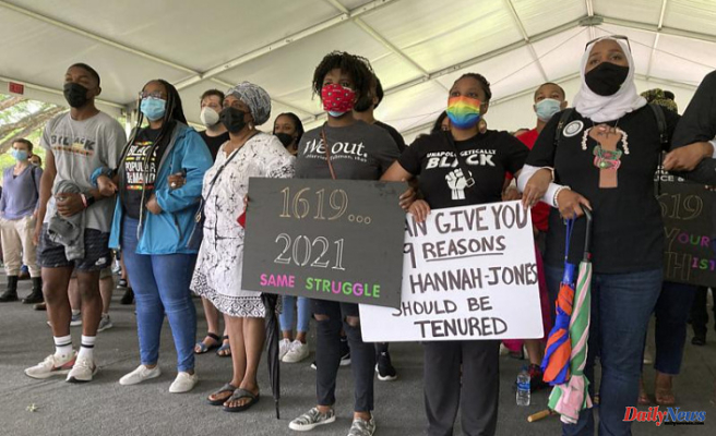 UNC protesters mention ongoing frustrations in tenure dispute
