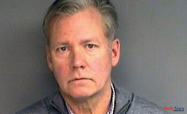 """Chris Hansen, host of """"To Catch a Predator"""", surrenders to police after missing a court date"""