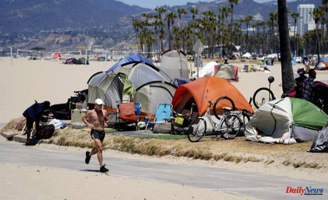 Los Angeles passes measures to limit homeless encampments