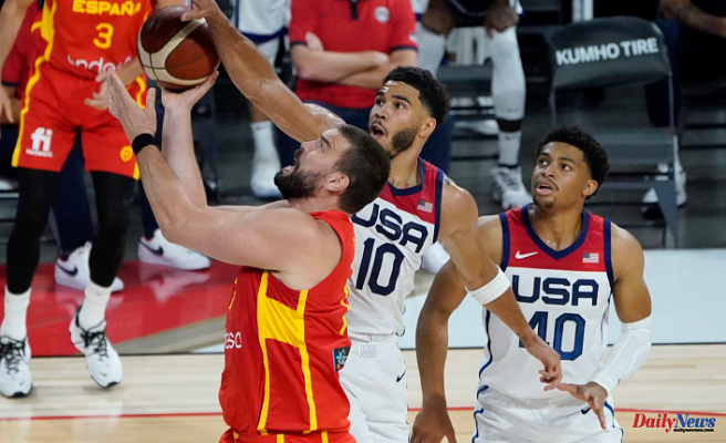 At 12:40 a.m., Jayson Tatum from the Celtics and USA Basketball will take on Spain