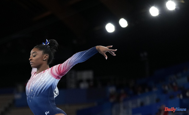 Suni Lee takes gold medals to Auburn; Biles finishes Tokyo with bronze beam