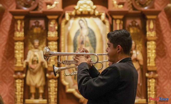 The COVID silences mariachi Mass and it returns to Tucson cathedral