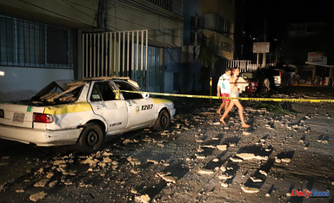 At least 1 person is killed by a powerful earthquake in Mexico's Acapulco