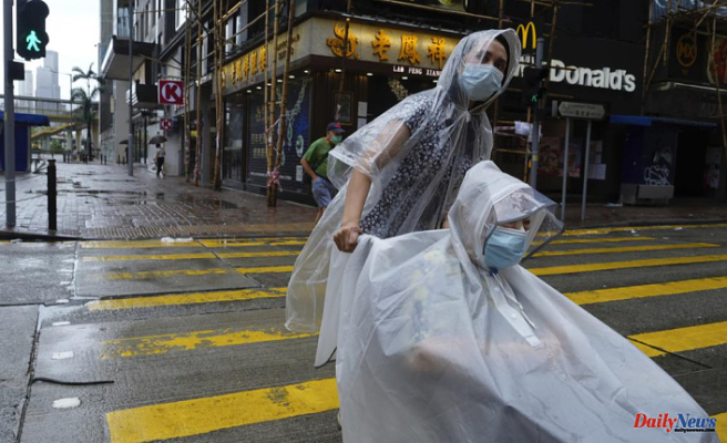 Hong Kong closes schools and stock markets due to Typhoon