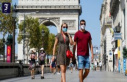 More infections in France: A kiss on the cheek, in...