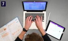 Laptops for teachers: teachers need patience