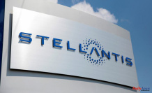 Rome wants Stellantis to build battery plant in Italy - industry minister