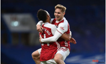 """Arteta: Smith Rowe will """"100%"""" stay at Arsenal, and Willock is in my future plans"""