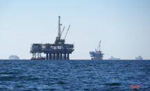 Pipeline break causes ship anchor to be lost