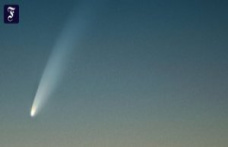 From about 3.30 am to: Finally, a comet is seen again