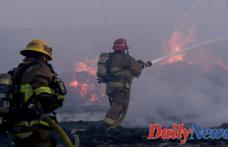 Massive fire Rips through Compton