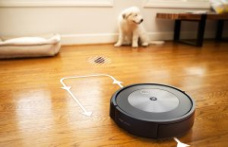 IROBOT presents a vacuum cleaner robot that dodges the cows of your pet