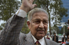 At 85, the controversial father of the nuclear bomb in Pakistan dies