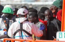 Salvage rescues 287 migrants aboard five boats in the Canary Islands in less than 24 hours