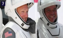 Departure from the ISS: SpaceX astronauts on the way...