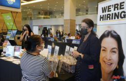 As the economy recovers, US jobless claims fall to a pandemic low