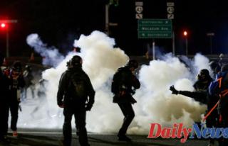 Grassley calls on Biden to condemn rioting in Oregon,...