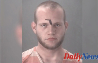 Florida Guy with state tattooed forehead calls 911...