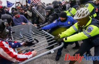 Man charged in US Capitol riot held a top-secret Safety...