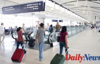Passenger in Detroit airport Captured sneaking $60G...