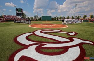 It Is official: South Carolina will host NCAA baseball...