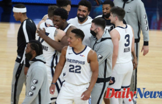 Morant, Grizzlies beat Warriors in OT, advance to...