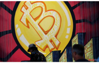 Bitcoin Reaches losses, falling under $32,000 Following...