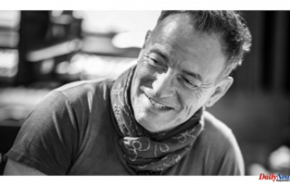 Bruce Springsteen Talks 'Broadway' Return,...