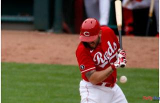 Cincinnati Reds injury Upgrades: Mike Moustakas has...