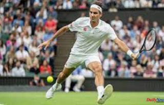 Federer Survives Centre Court Scare