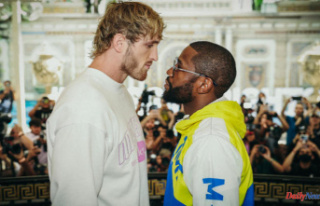 Floyd Mayweather vs. Logan Paul: Fight predictions,...