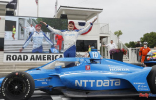 Palou makes late surge to win IndyCar race at Road...