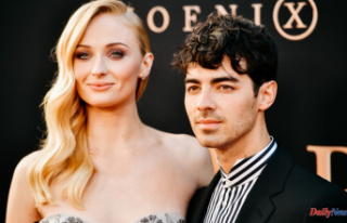 Sophie Turner Observes Pride:'Time is Not Right...