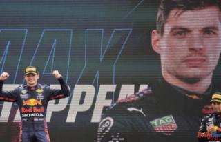 Verstappen pushing Hamilton hard in thrilling F1 title...