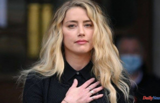 Amber Heard announces her daughter's birth on...