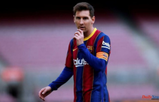Barca works on contract renewal, Messi is free agent