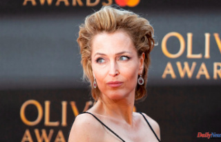 Gillian Anderson claims she has had enough with bras...