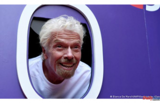 Richard Branson will try to beat Jeff Bezos in space